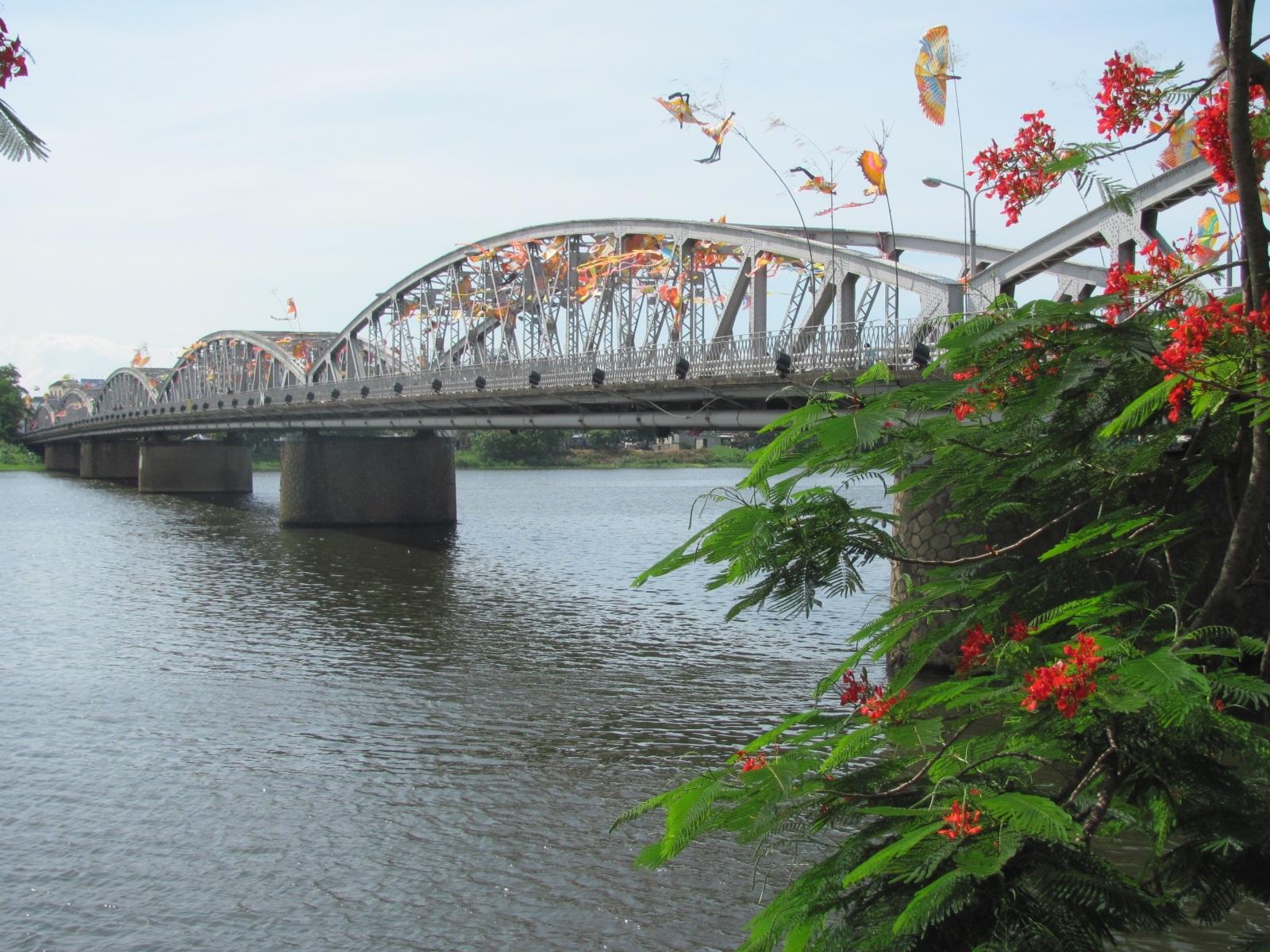Kết quả hình ảnh cho Đà Nẵng - Bà Nà - Huế - Thanh Tân